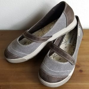 Airwalk Tweed & Suede Maryjanes 8